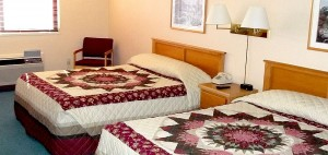 Rooms - Chicaugon Lake Inn - Crystal Falls Hotels