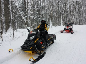 snowmobiling-2016